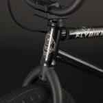flybikes-2020-neutron-rhd-gloss-black1